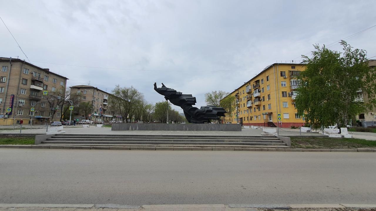 Спросил у волгоградского школьника, что он знает про памятник Михаилу Паникахе. Его ответ удивил меня