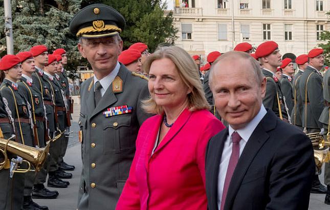 Путин опоздал на свадьбу гла…