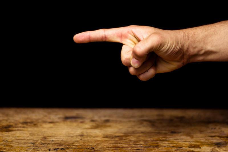 Человек себя показывает, когда мы от него ЗАВИСИМ.