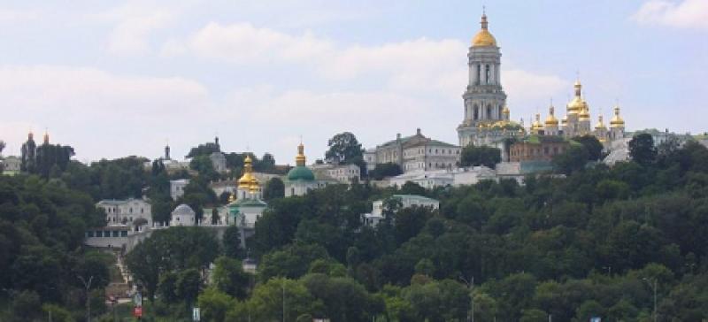 Настоятель лавры в видеобращении предупредил: на Покрова националисты готовят погром Киево-Печерской лавры