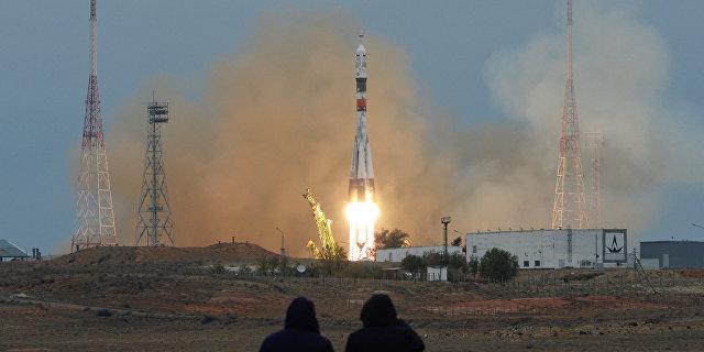 """""""Роскосмос"""" скрыл данные о неудачном пуске от создателя спутников и потребовал у него 290 млн"""