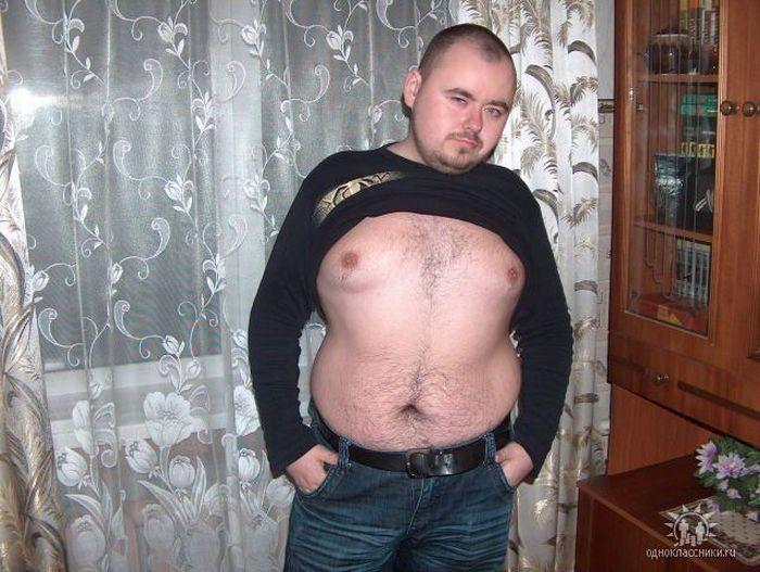 Лысый толстый мужик — 14