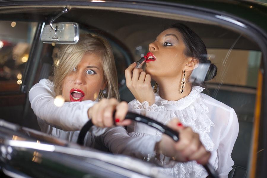 Анимированные скучаю, прикольные картинки девушка и автомобиль