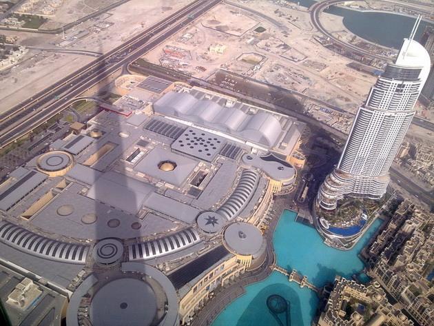 Дубай Молл — самый крупный т…