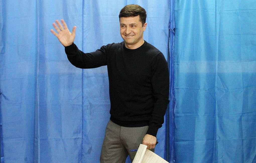 4 апреля 2019 - За Зеленского готовы отдать голос почти 50% проголосовавших в первом туре украинцев