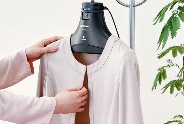 Вешалка, которая устраняет запахи. | Фото: blog.btaskee.com.