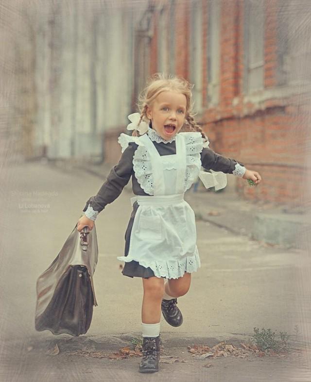 Девочка Алиса пришла в 1-й к…