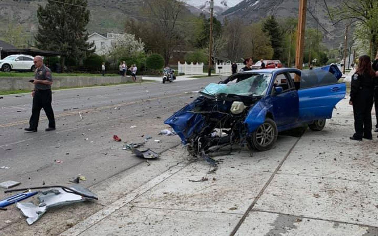 Вот это авария: водитель, двигатель и коробка вылетели из авто аварии,автомобили,происшествия