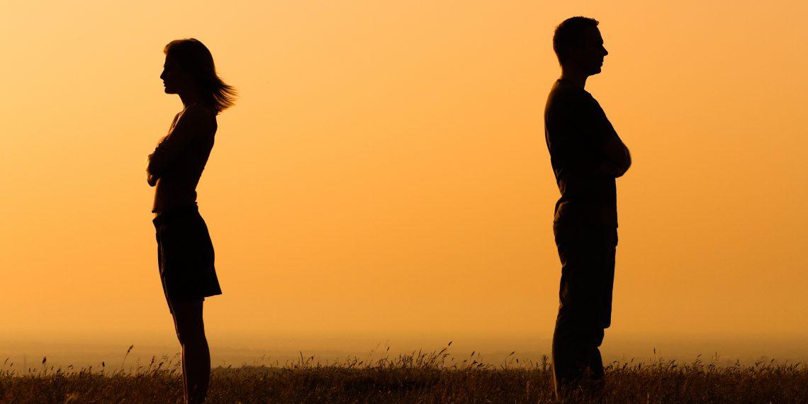 Сохранять семью нынче непрестижно?
