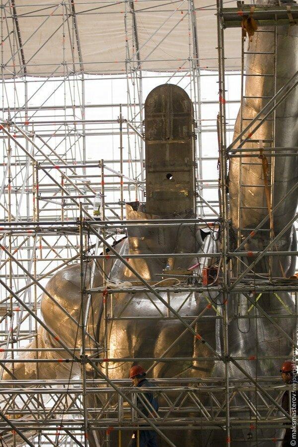 Рабочий «потерял голову» Рабочий и колхозница, внутри, интересно, монумент, статуя
