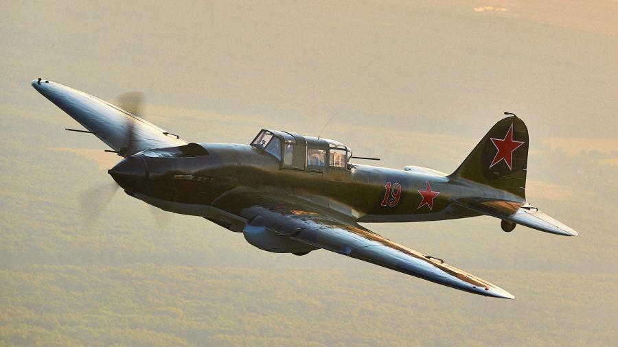 Летающая память: почему самолеты времён войны не нужны в России