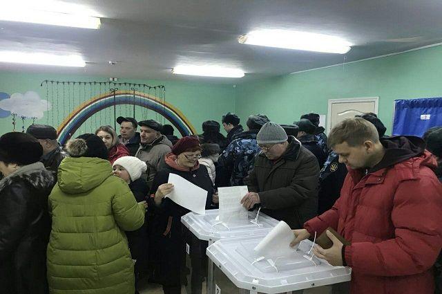 Очереди на избирательных участках замечены в нескольких регионах ДФО