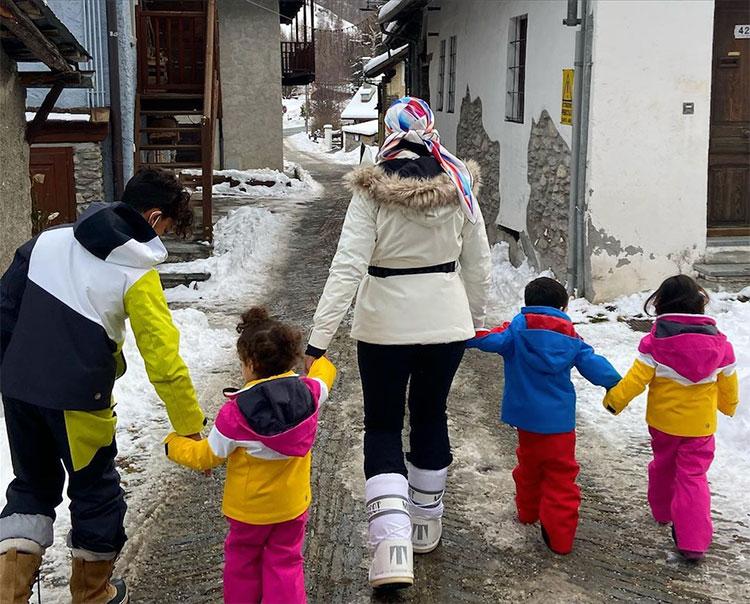 Джорджина Родригес отдохнула с детьми Криштиану Роналду в горах Дети,Дети знаменитостей
