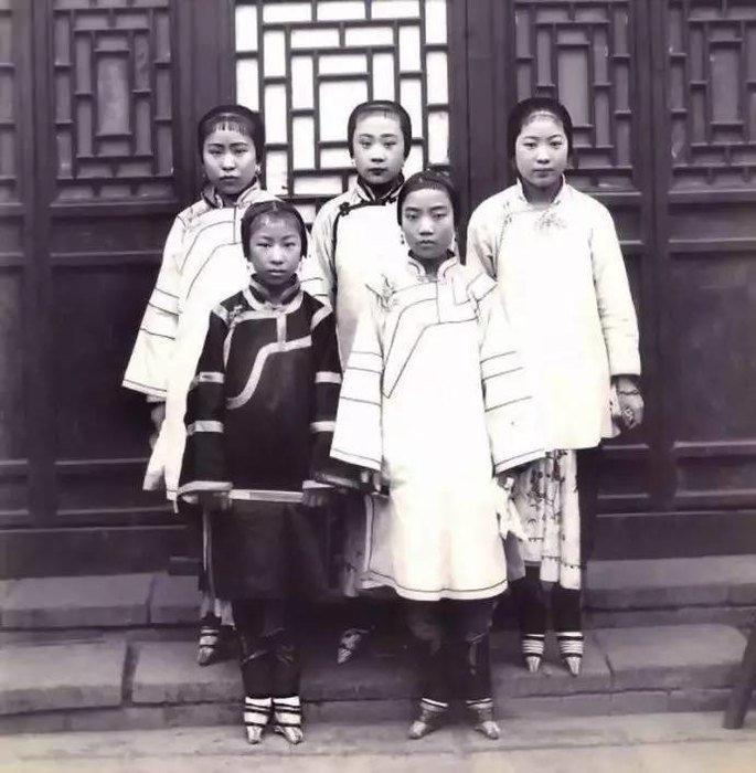 «Сладострастные бедра» золотой лотос, история, китай