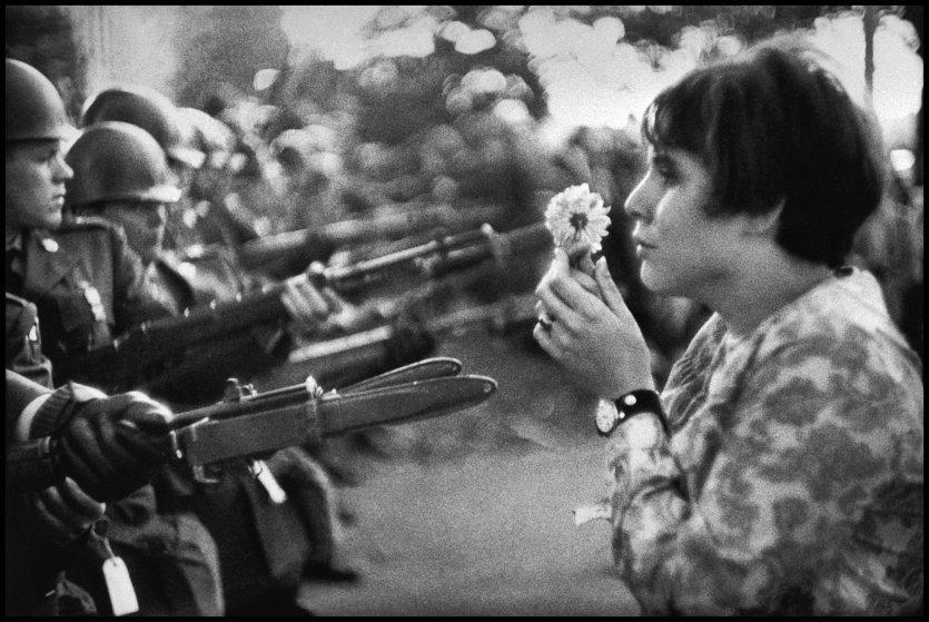 Выставка фотографий протестов, которые вошли в историю