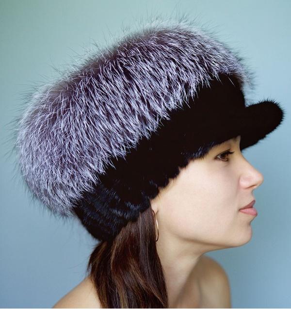 Меховые шапки зима 2019-2020: новинки и тренды