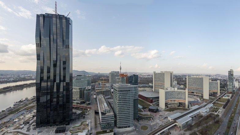 DC Tower 1, Вена, Австрия красота, небоскребы, самый-самый, строительство, удивительное, фантастика