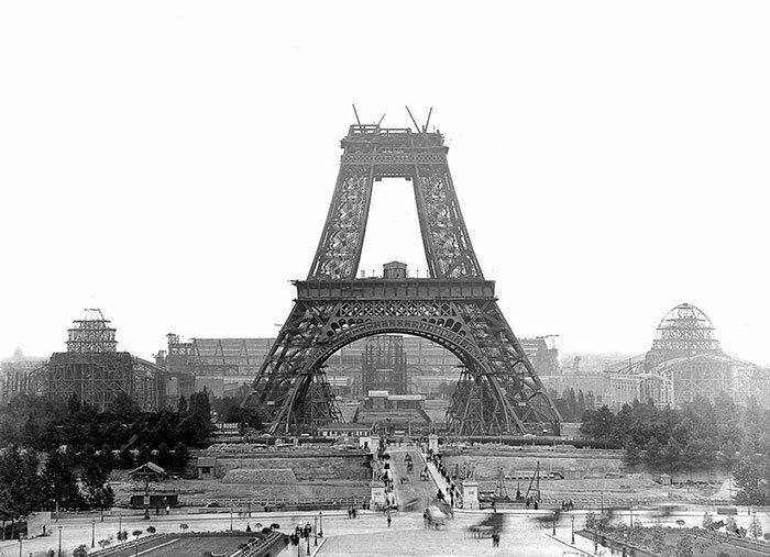 2. Эйфелева башня. Париж, Франция архитектура, достопримечательности, интересно, исторические фото, исторические фотографии, познавательно, сооружения, строительство