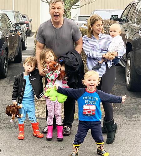 Беременные селфи в нижнем белье: Хилария Болдуин возобновила любимую рубрику Дети,Беременные звезды