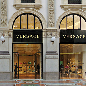 Versace отказался от натурального меха