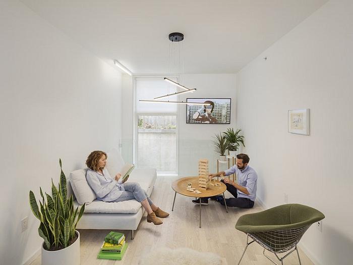 5-этажка для одной семьи, построенная на крошечном клочке земли площадью 32 кв. метра