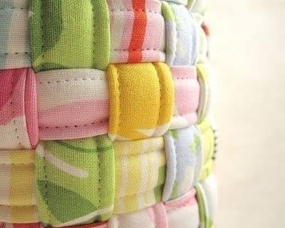 Плетём корзинку из полосок ткани 4