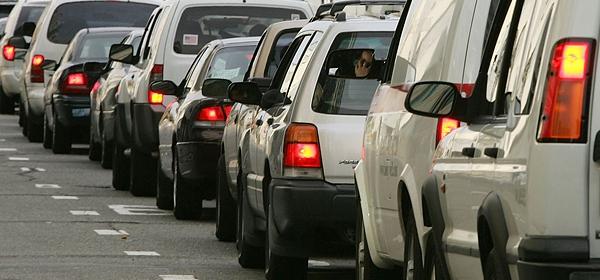 Водители простаивают в очереди на паром в Крым по 40 часов
