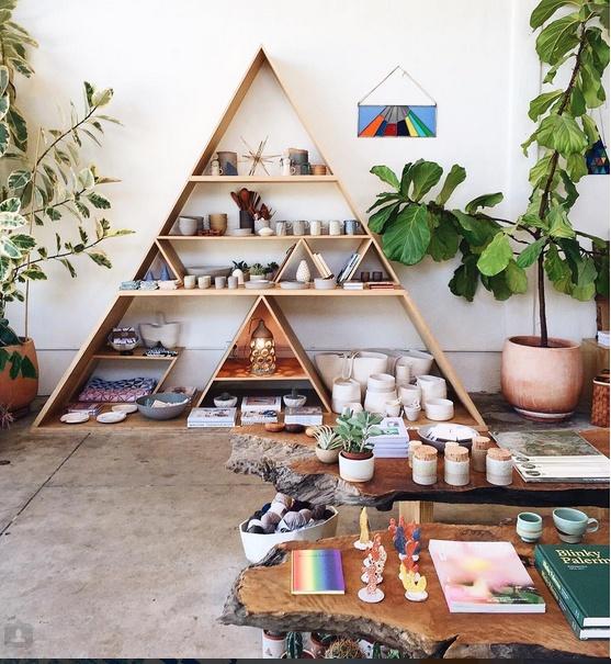 Стеллаж пирамида