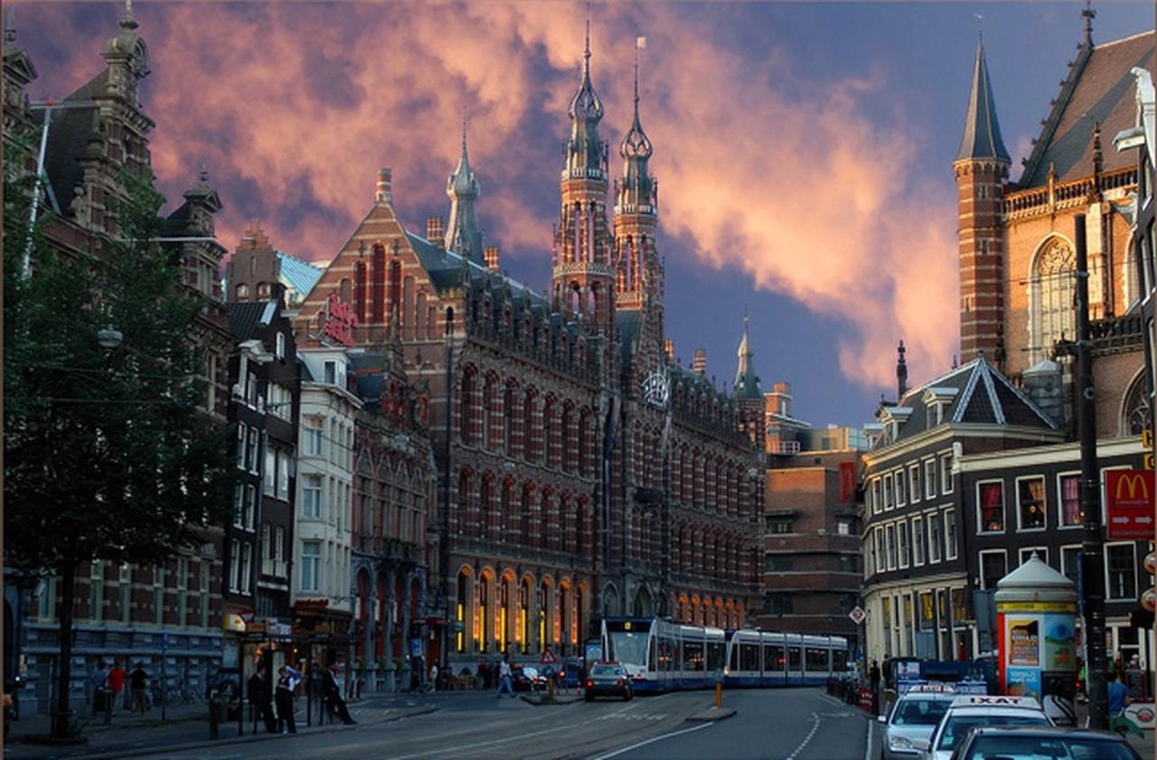 ПО ГОРОДАМ И СТРАНАМ. Амстердам