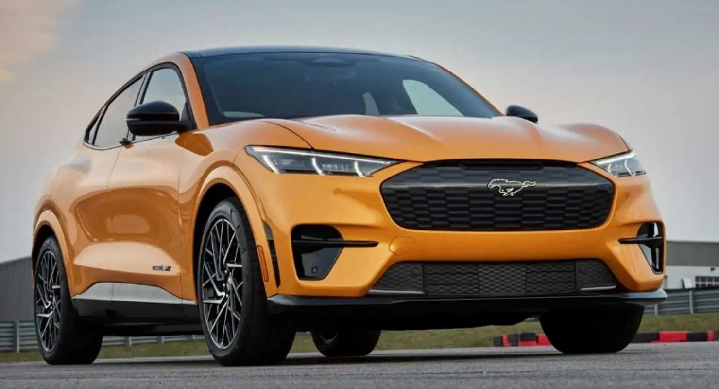 Ford Mustang Mach-E получил технологию вождения без помощи рук Автомобили