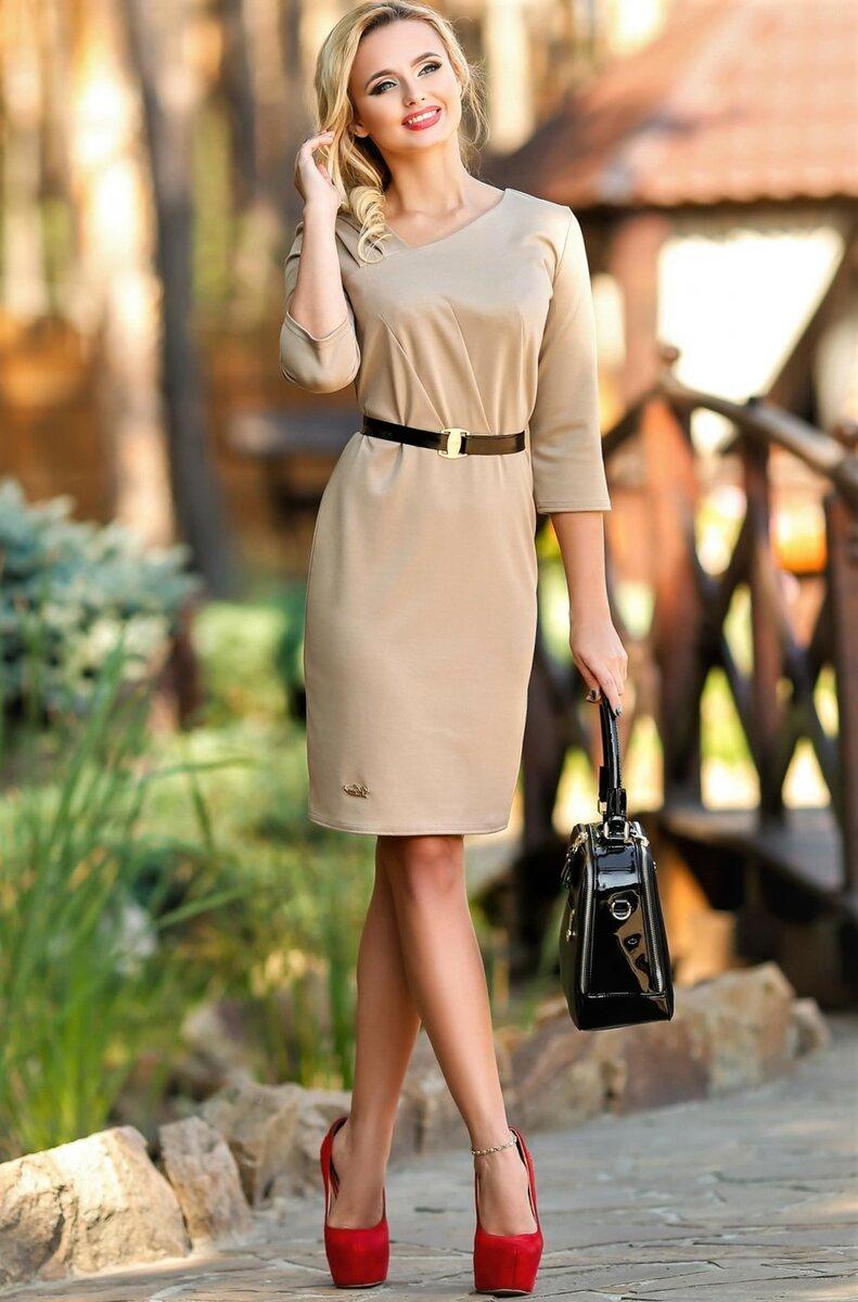 Платье с поясом — самый простой и быстрый способ стать стройнее женщине любого возраста
