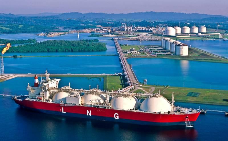 Оксфорд: ЕС нецелесообразно строить новые терминалы для газа из США
