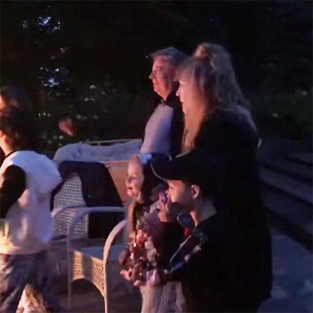Максим Галкин показал видео с семейного пикника с Аллой Пугачевой, детьми и родными Галкин, детьми, приехал, вместе, Пугачева, Дмитрий, юмориста, Максим, ждала, Галкину, семейного, семьей, потом, также, Максима, когда, женой, шоумена, очень, семья