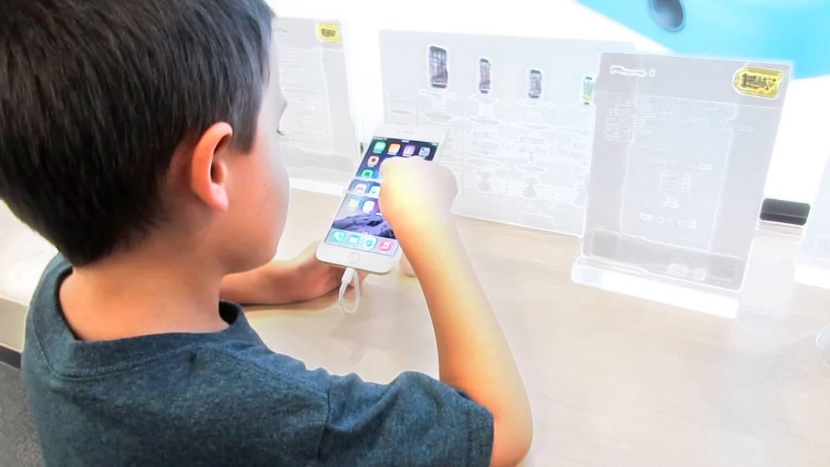 Родительский контроль в iPhone легко обойти из-за бага. Apple обещает выпустить патч