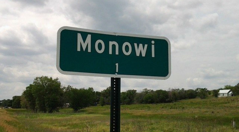 Как живет единственный житель города Монови