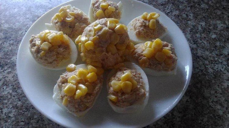 Фаршированные яйца сардинами…