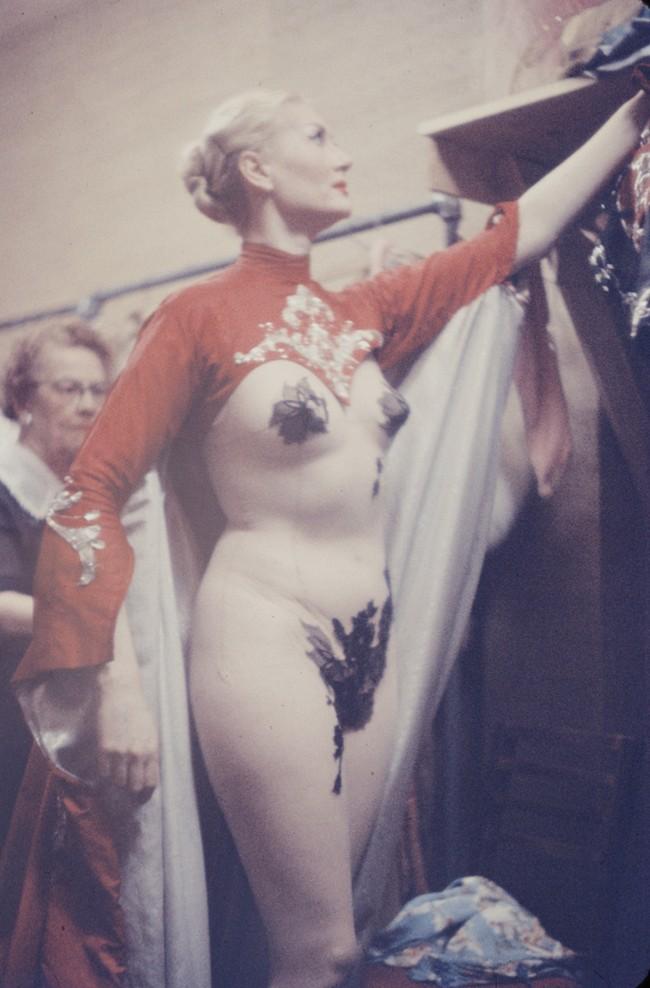 Жизнь за кулисами эротического шоу 1958 года ретро