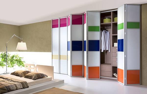 Раздвижные двери для гардеробной: красивые и функциональные двери на 35 фото