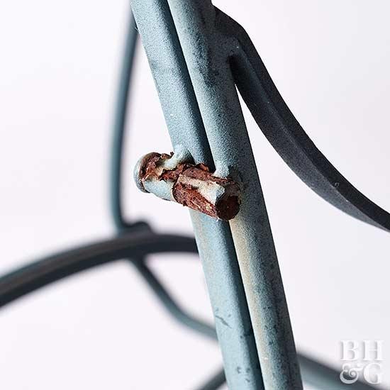 Вторая жизнь для железных изделий: как покрасить ржавый металл