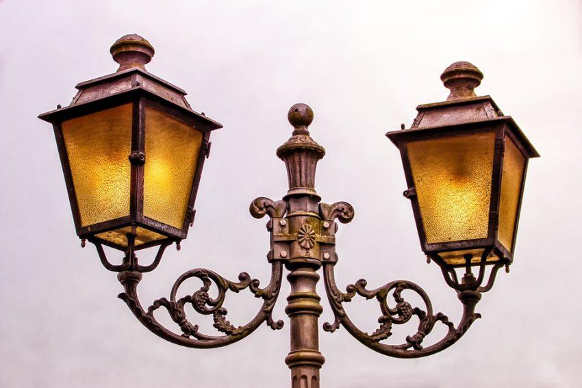 В парке имени Воровского вновь стало светло по вечерам