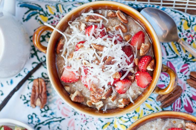 Изображение рецепта Гречневая каша с клубникой и кокосом