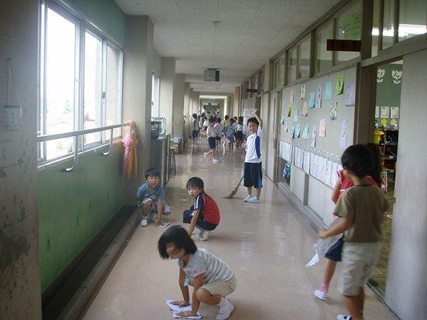 6. Школы без уборщиц интересно, путешествия, удивительно, япония
