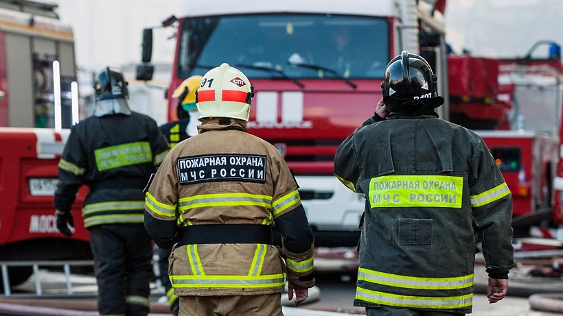 Пожар произошел в строящемся здании на северо‑западе Москвы
