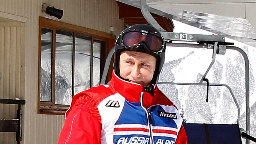 Путин перекрасился в Красный…
