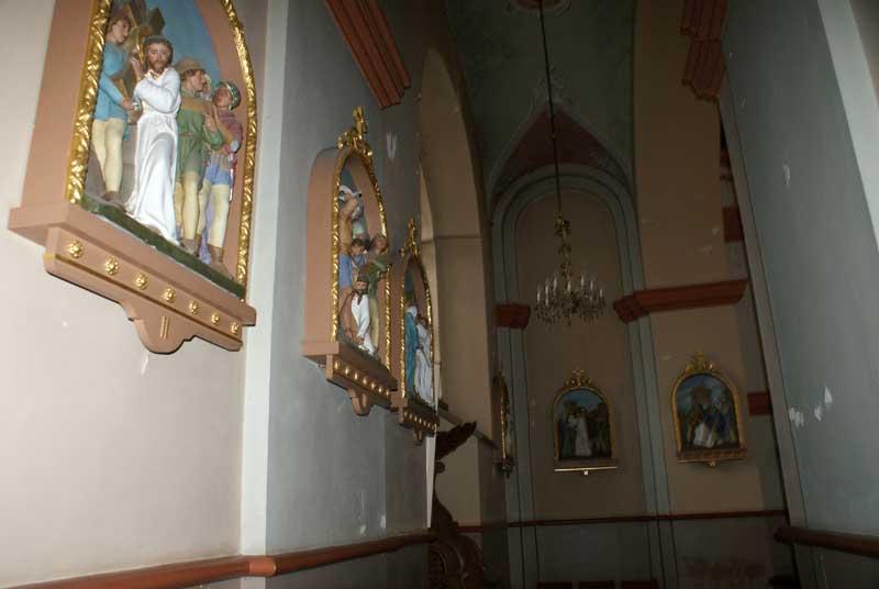 Оплатить что просит - иначе пеpепоpтит всех святых.)))
