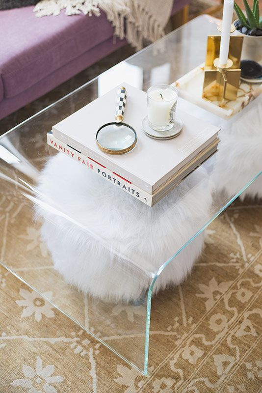 15 bent clear acrylic coffee table for a small living room