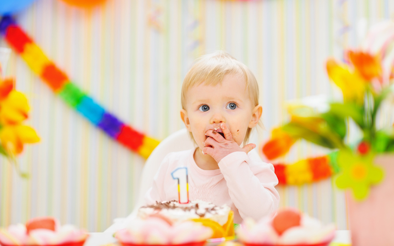 Что подарить ребенку на 1 год: 10 свежих идей