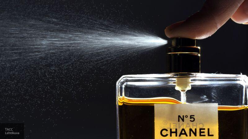 СМИ Токио с удивлением рассказали, что французские духи Chanel No.5 имеют российские корни