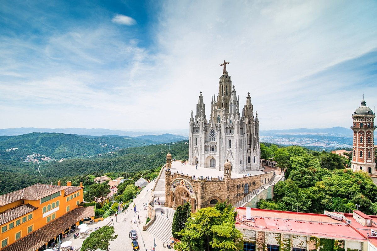 Храм Святого Сердца рядом с Барселоной