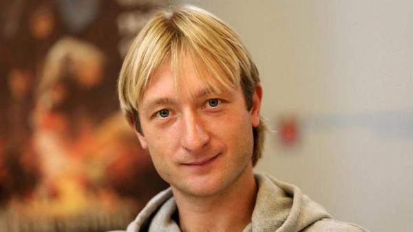 Младший сын Плющенко отправи…